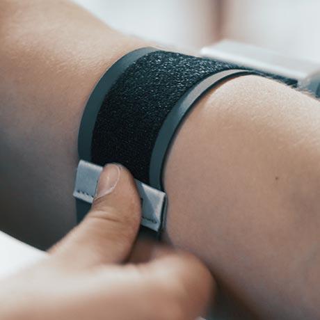 trainr pro active lifestyle phone case with premium velcro strap