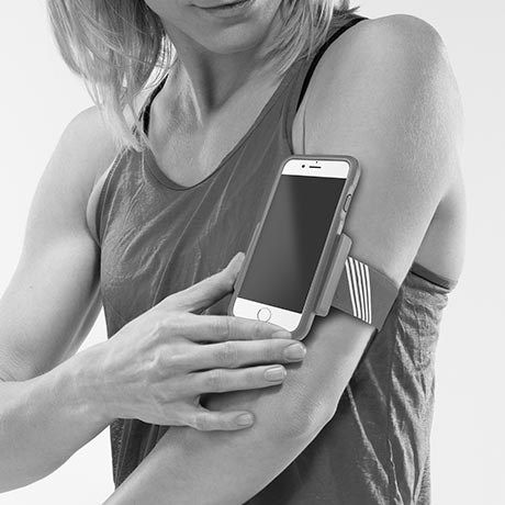 trainr pro fitness phone cover with arm band and reflective stripes